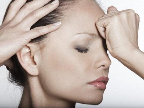 Кчему чешется лоб: приметы