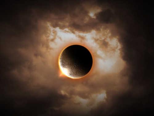 Лунное затмение 10-11января: три мощных обряда наудачу в2020 году