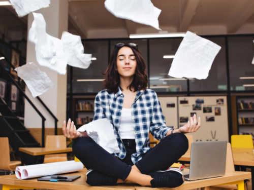 Быстрая медитация отВасилисы Володиной: поднимаем настроение ивосстанавливаем силы