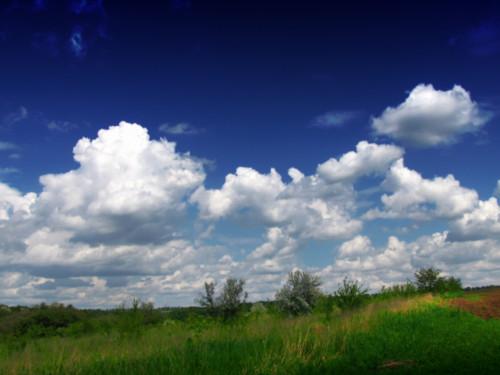 Какую погоду предвещают облака: народные приметы