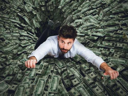 Куда уходят деньги: что такое финансовая яма икак без потерь изнее выбраться