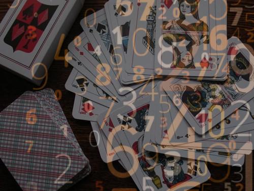 Гадание на игральных картах в день рождения: расклад и расшифровка
