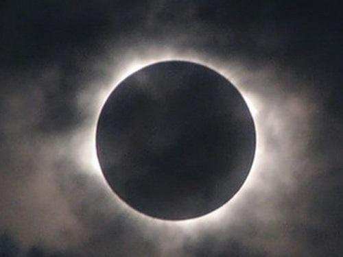 5июня 2020 года— начало коридора затмений. Советы астролога Анжелы Перл