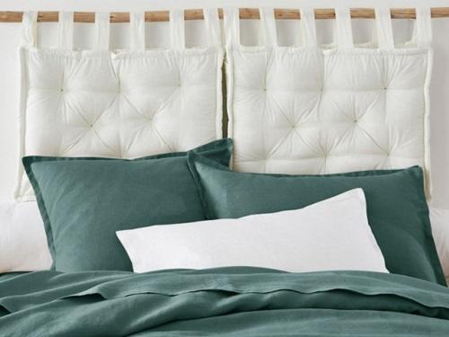 Народные приметы: зачем под подушку кладут молочные зубы, ножницы или учебник