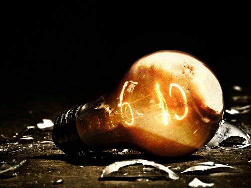 Трещина вэнергетике дома: как бытовые поломки крадут нашу удачу