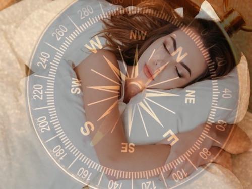 Вкакую сторону правильно спать головой