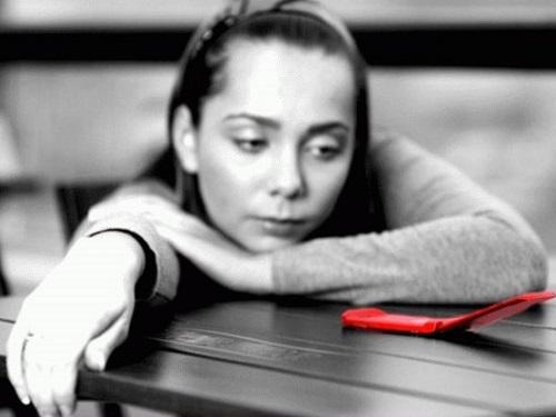 Заговоры, чтобы любимый позвонил или написал всоцсетях
