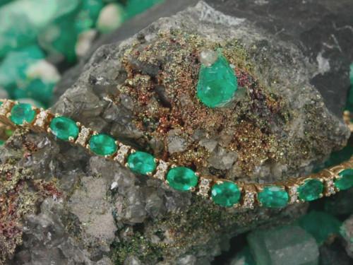 Изумруд: свойства камня икому онподходит поЗнаку Зодиака